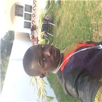 i am a simple guy who loves to play football i am and african who loves to make friendship any where in the world...